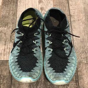 Nike FREE Flyknit sneakers size 7